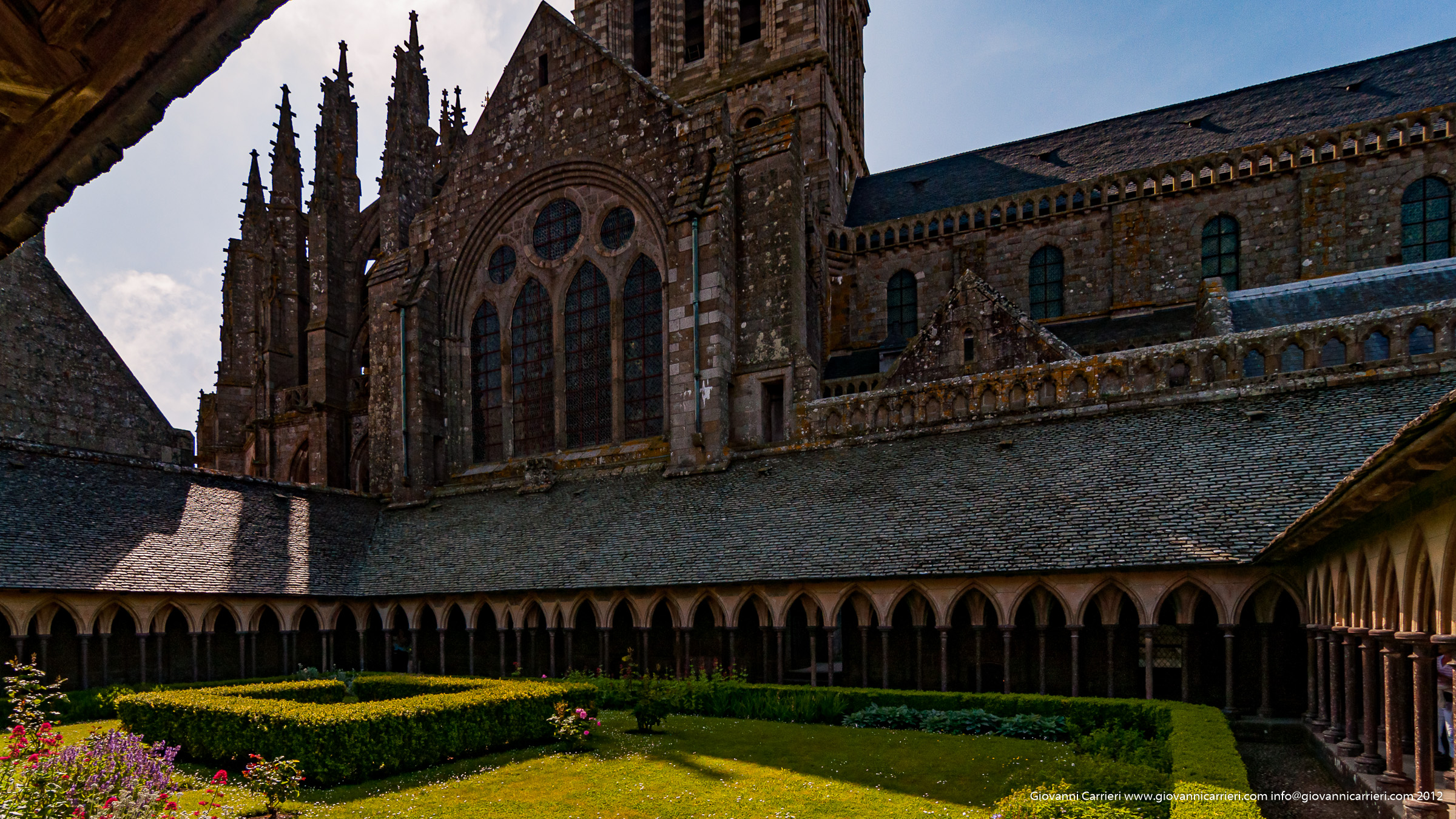 Il chiostro dell'Abbazia di San Michele Arcangelo a Mont San Michel