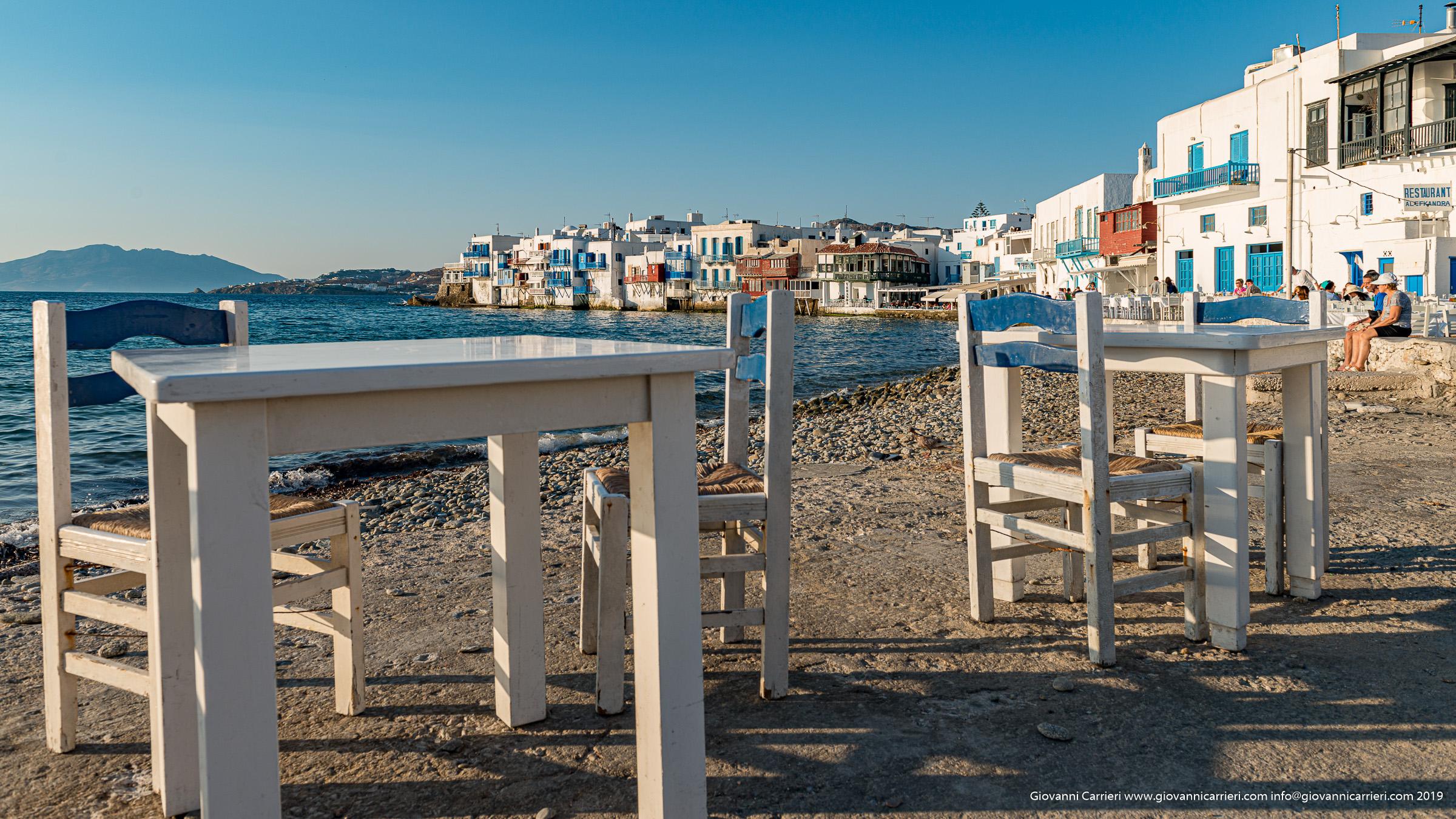 Vista di Chora e del suo lungomare - Mykonos