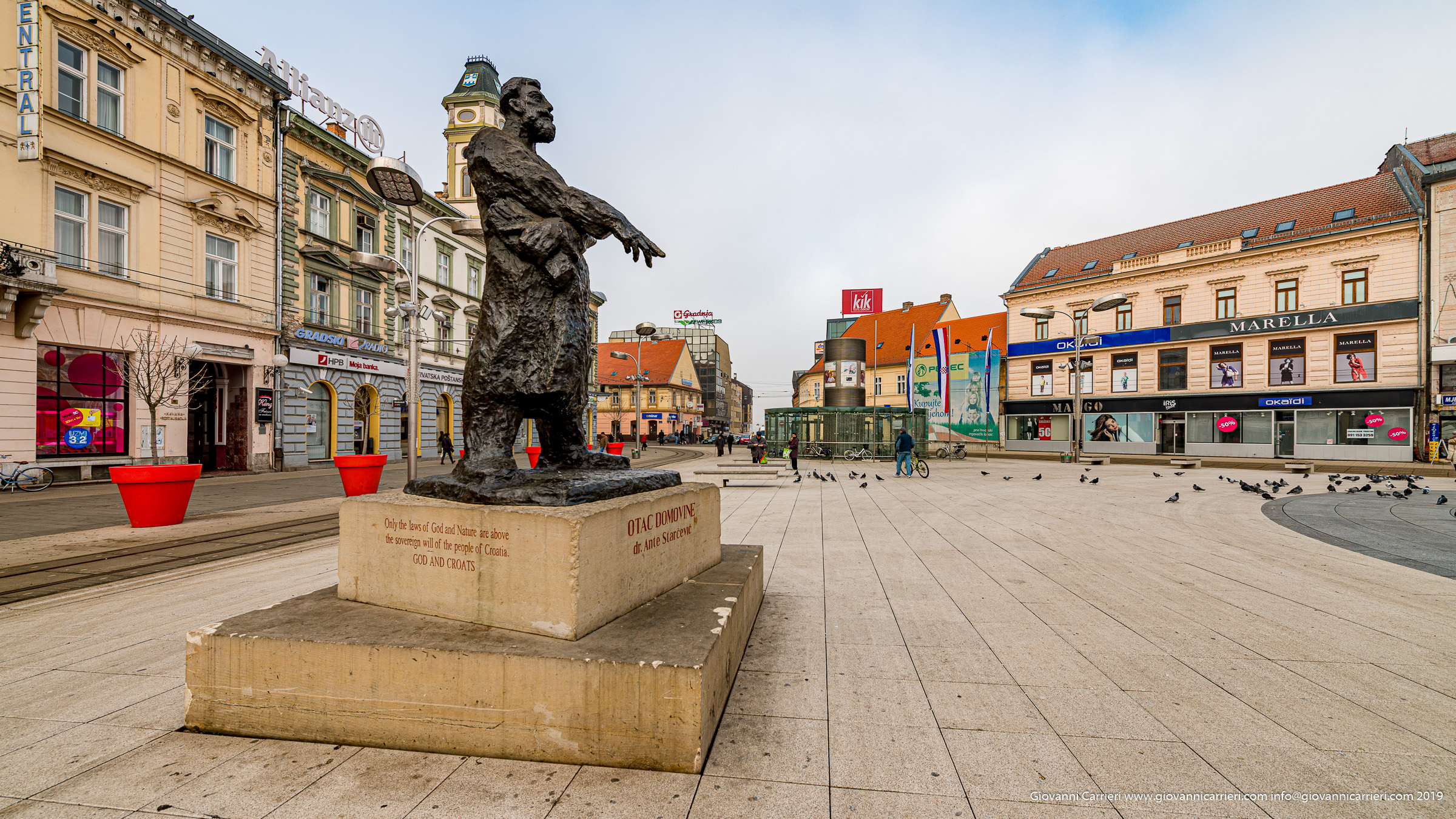 La piazza Ante Starcevic di Osijek