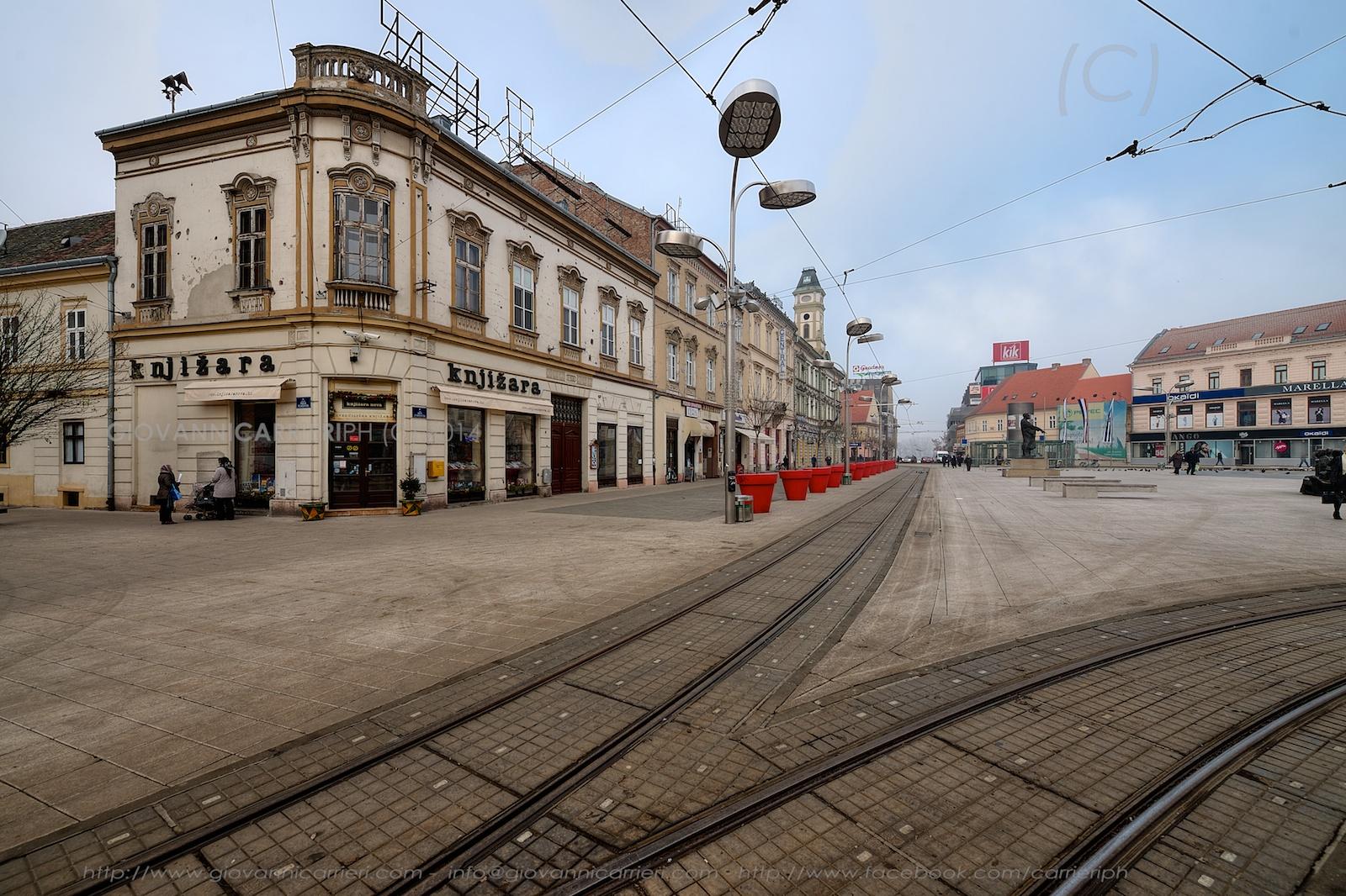 La piazza del centro cittadino di Osijek - piazza Ante Starcevic