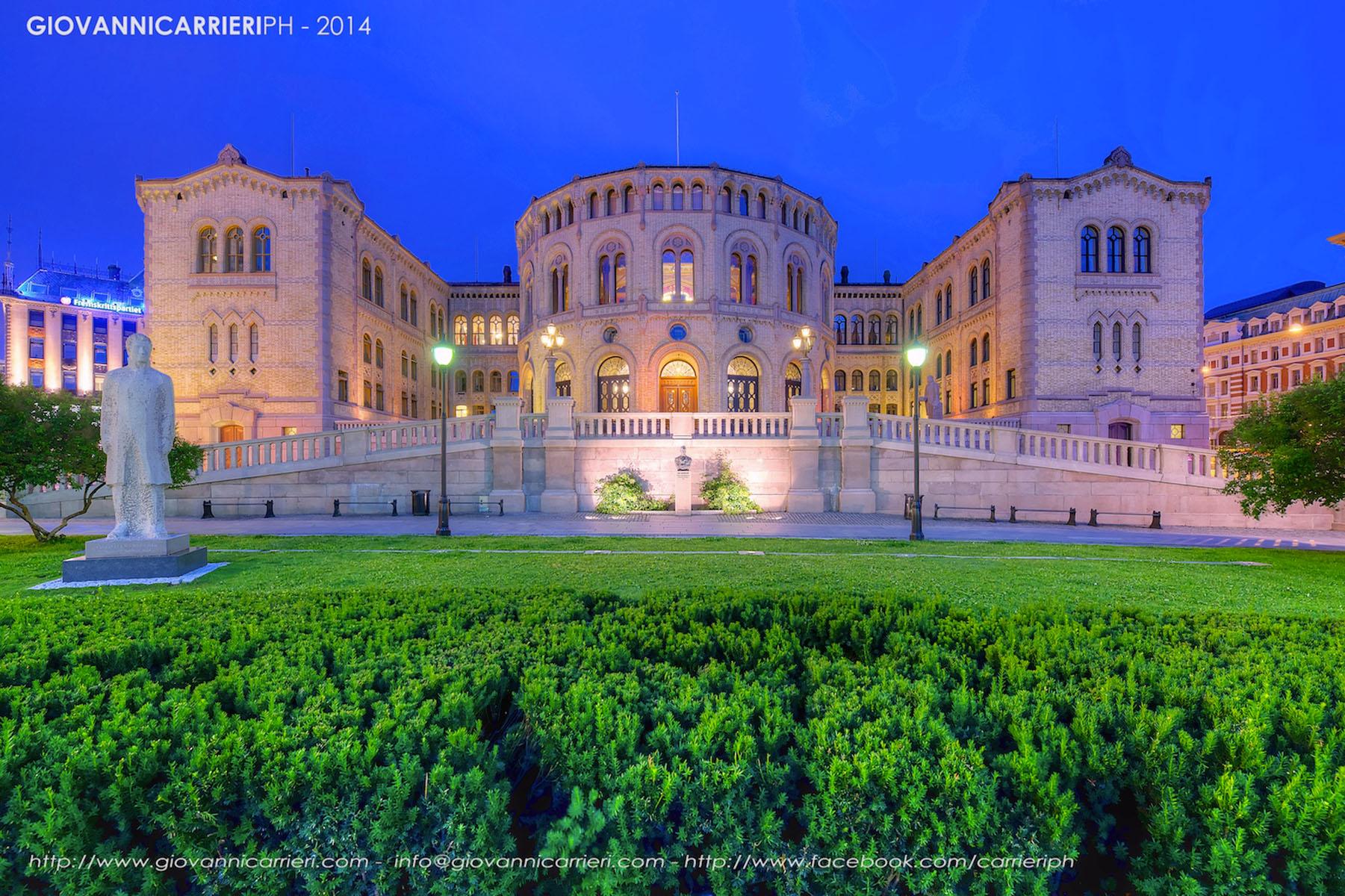 Il Parlamento Norvegese visto di notte - Oslo