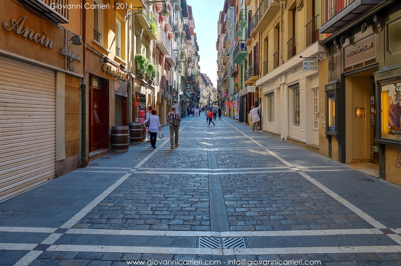 Le strade del centro cittadino di Pamplona