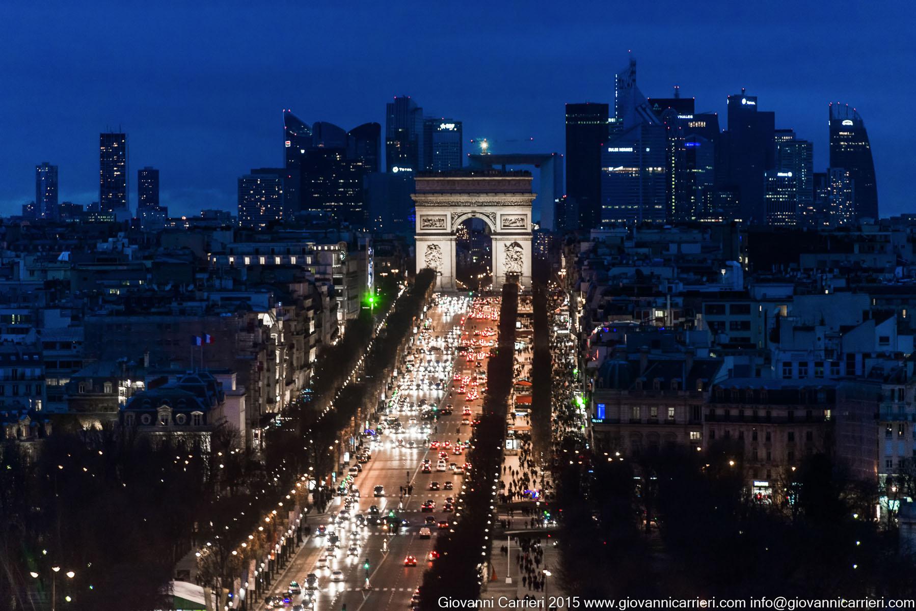 La skyline della Defense e degli Champs-Élysées