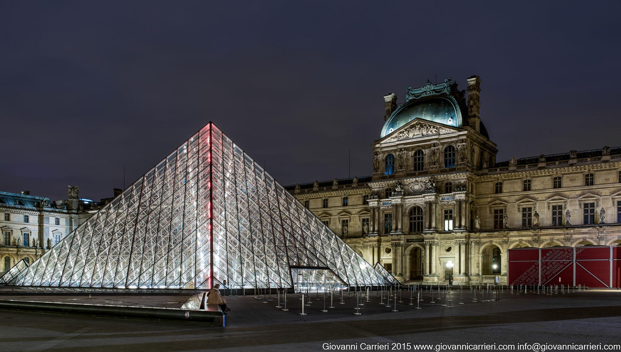 La notte sul Louvre