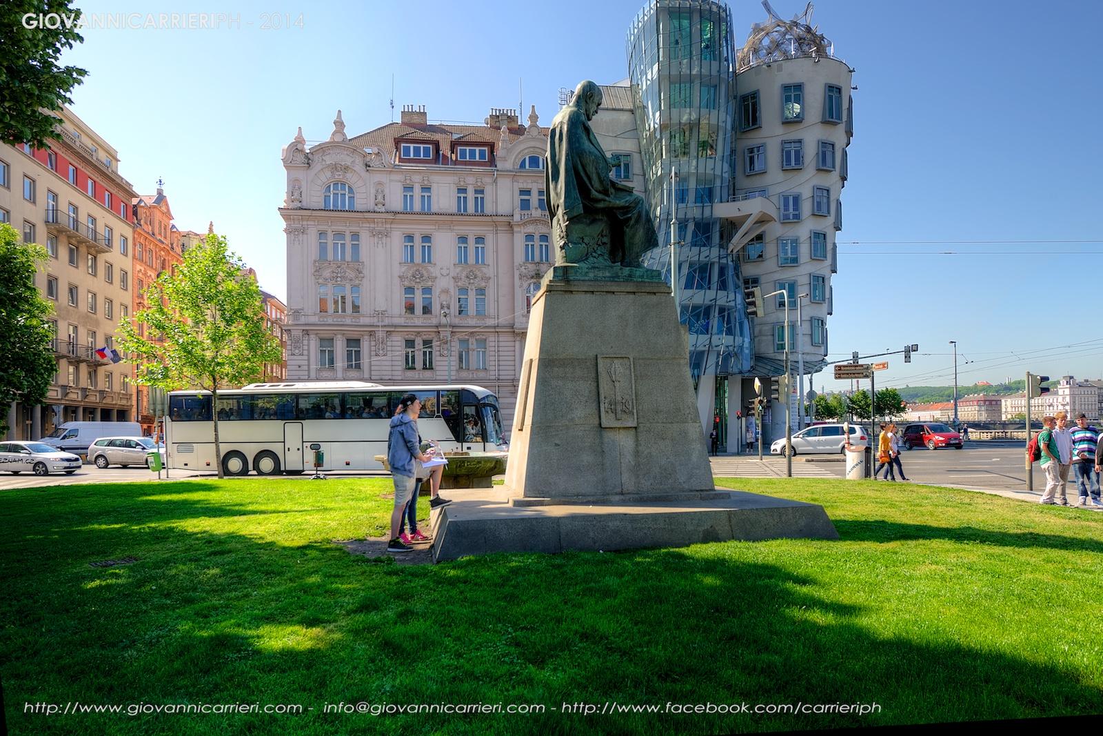 Il palazzo costruito da Vlado Milunic con Frank Gehry  - Praga