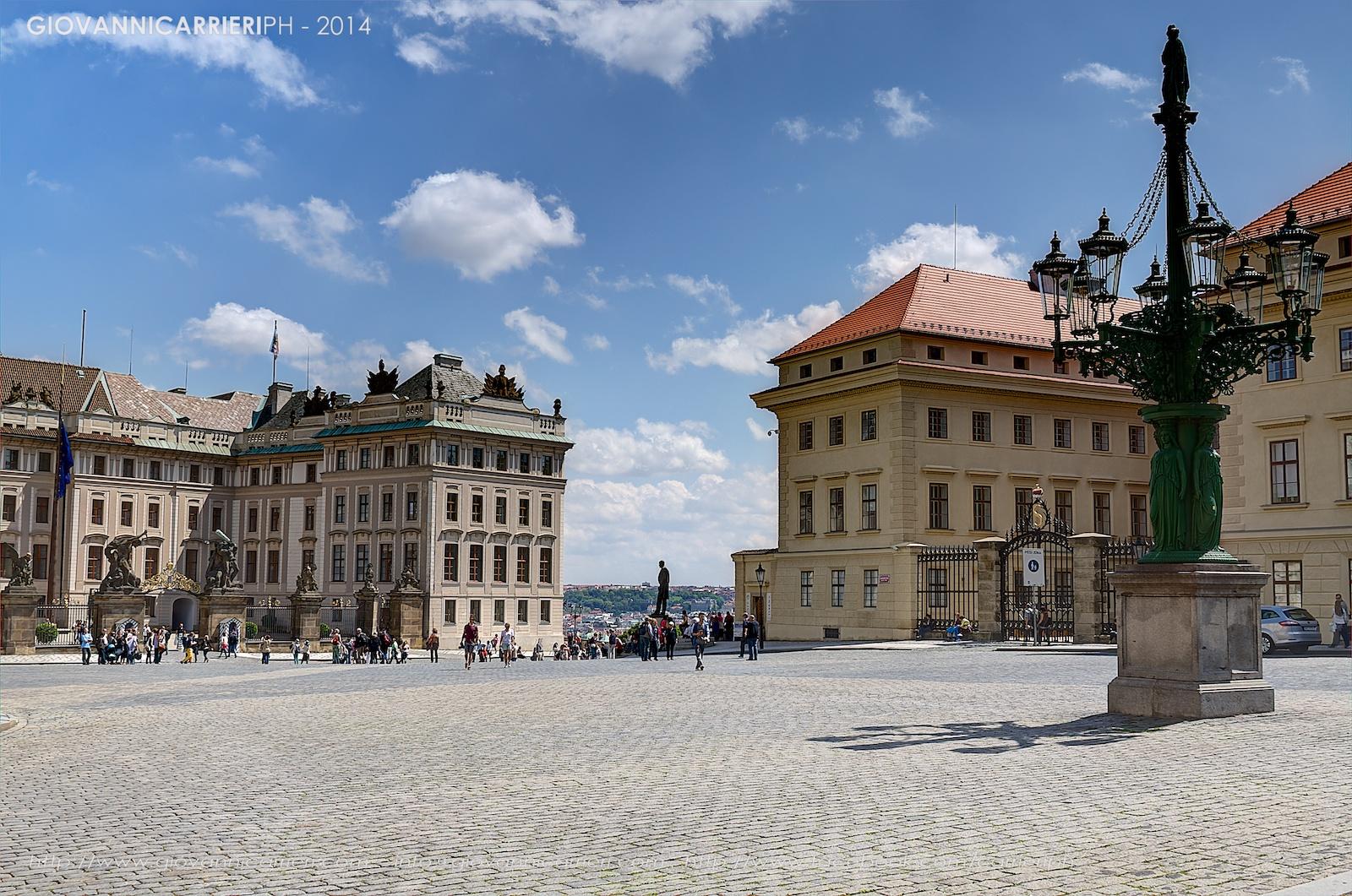Praga il Castello ed il monumento a Tomas Garrigue Masaryk