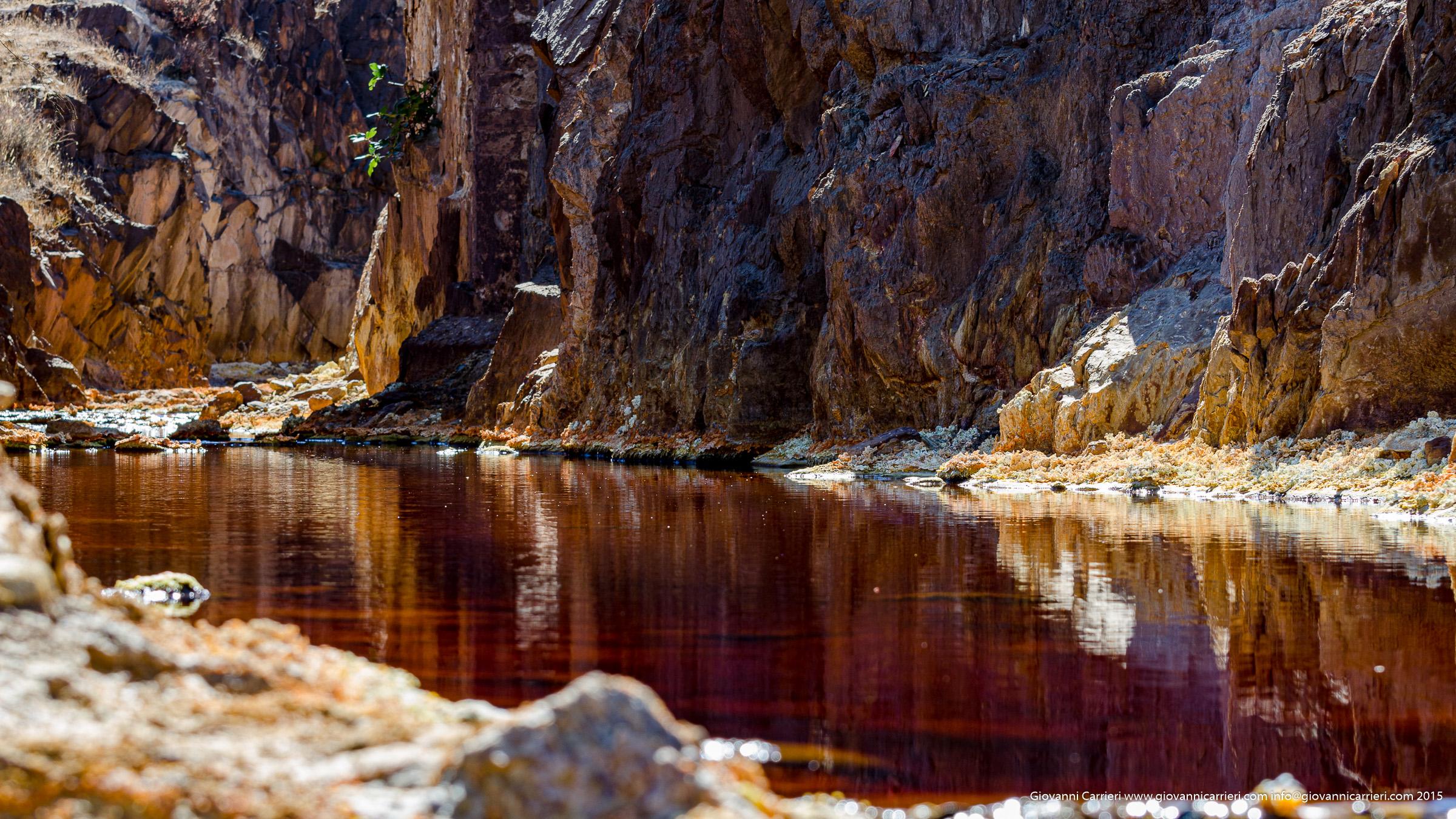 Pietre ed acqua rossa