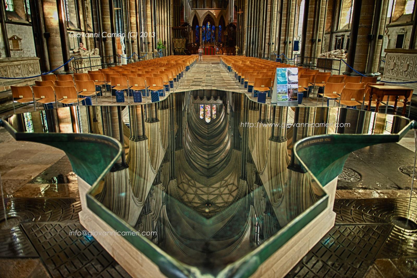 L'acquasantiera della Cattedrale di Salisbury