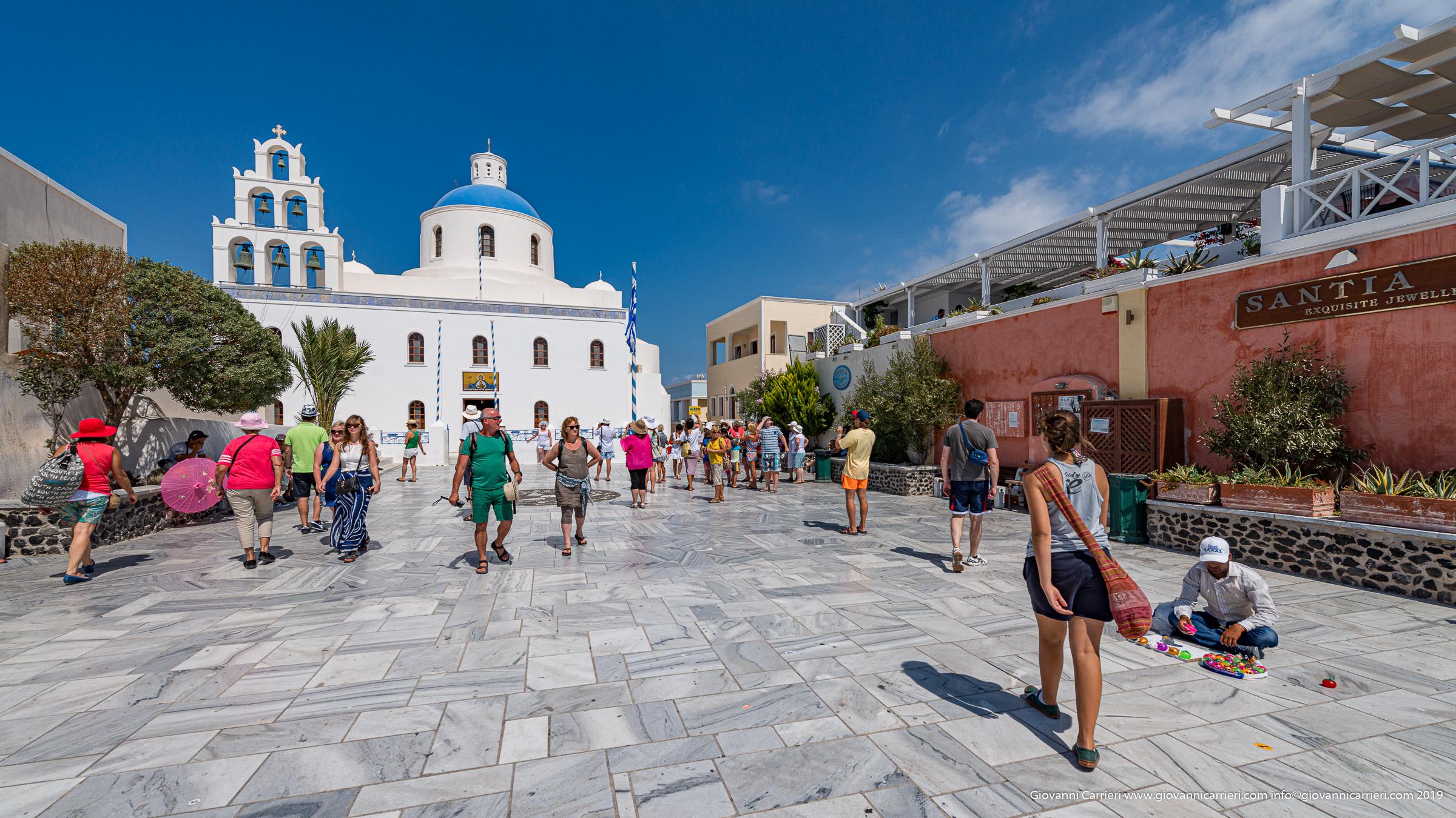 Oia main square - Santorini