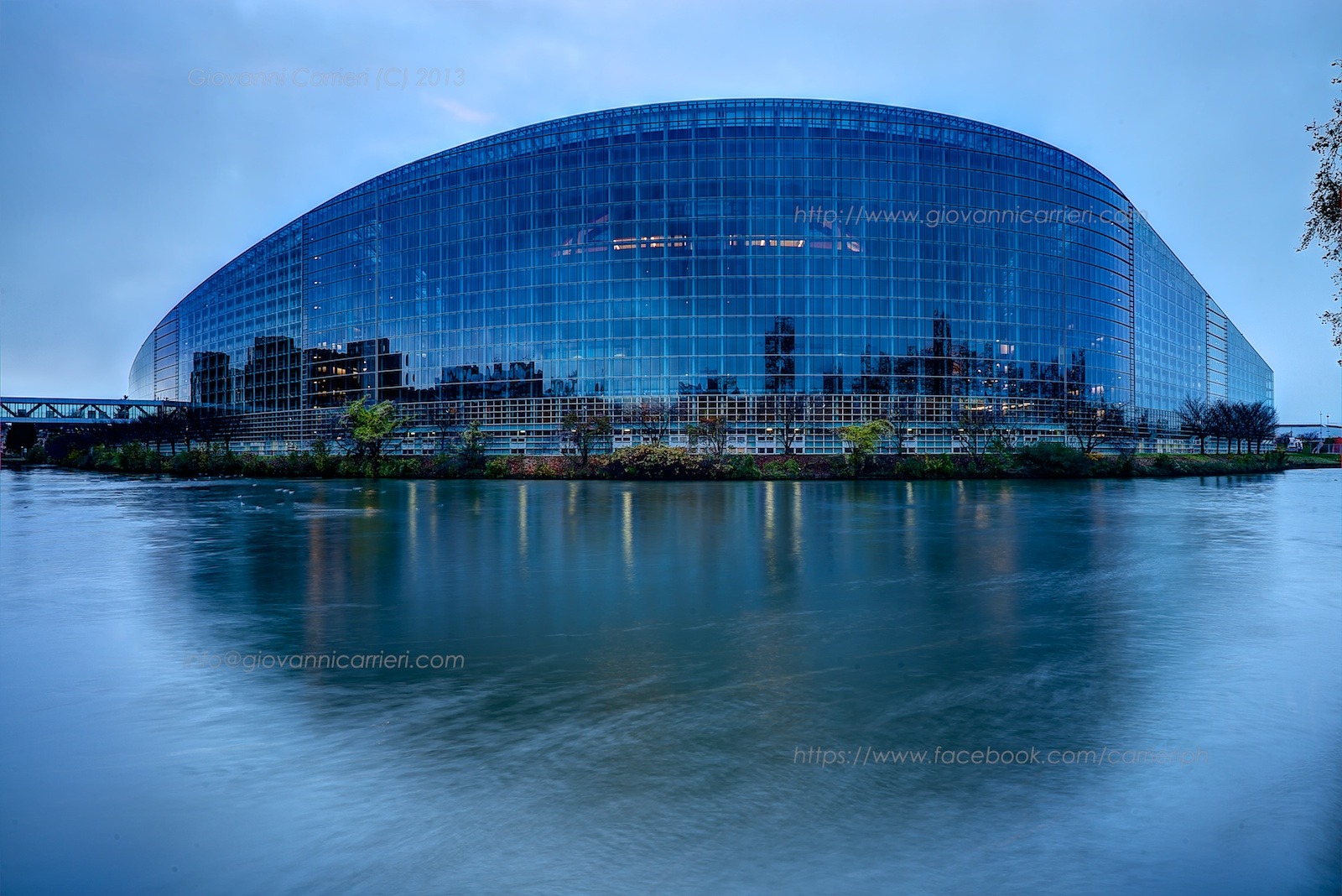 Vista diurna del Parlamento Europeo - Strasburgo