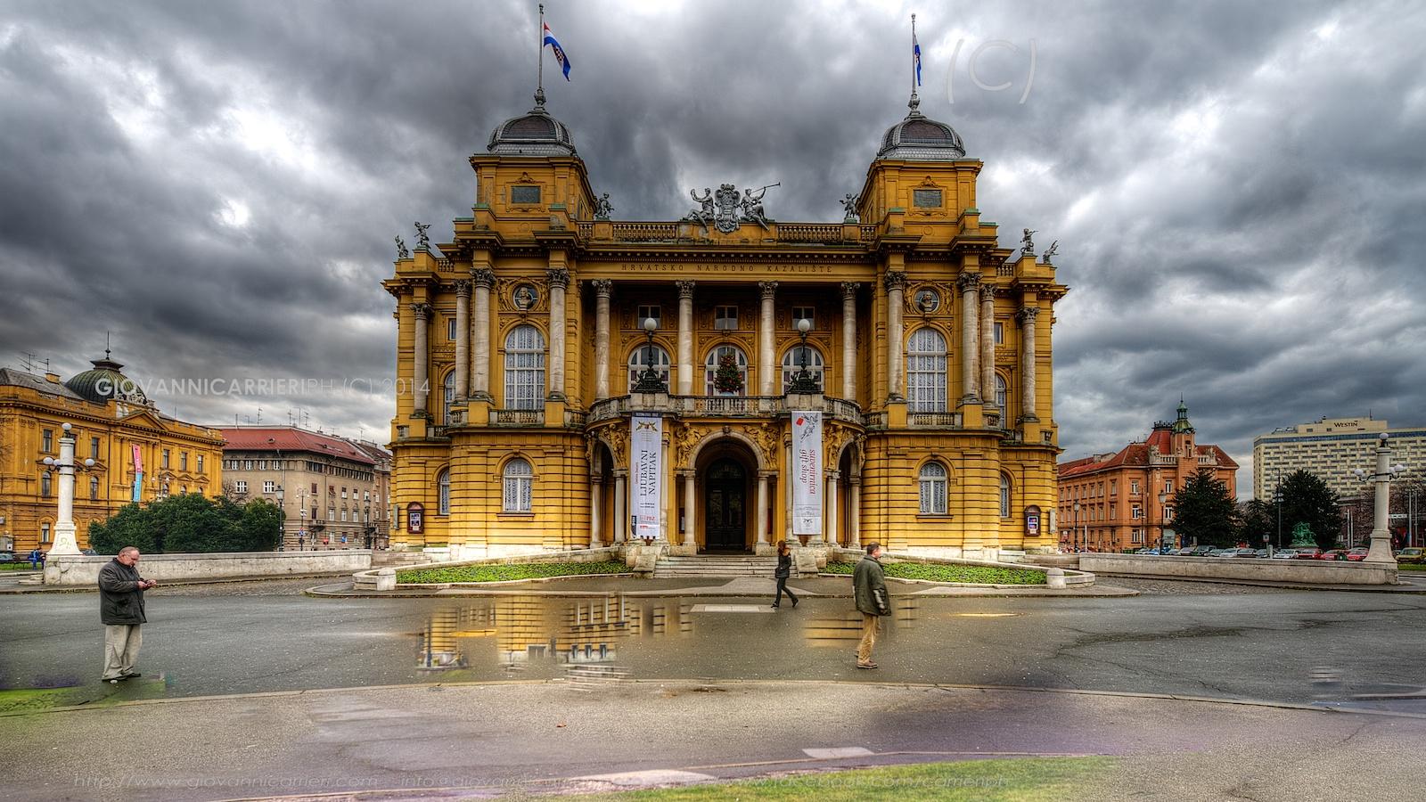 Il Teatro Nazionale Croato a Zagabria - vista frontale