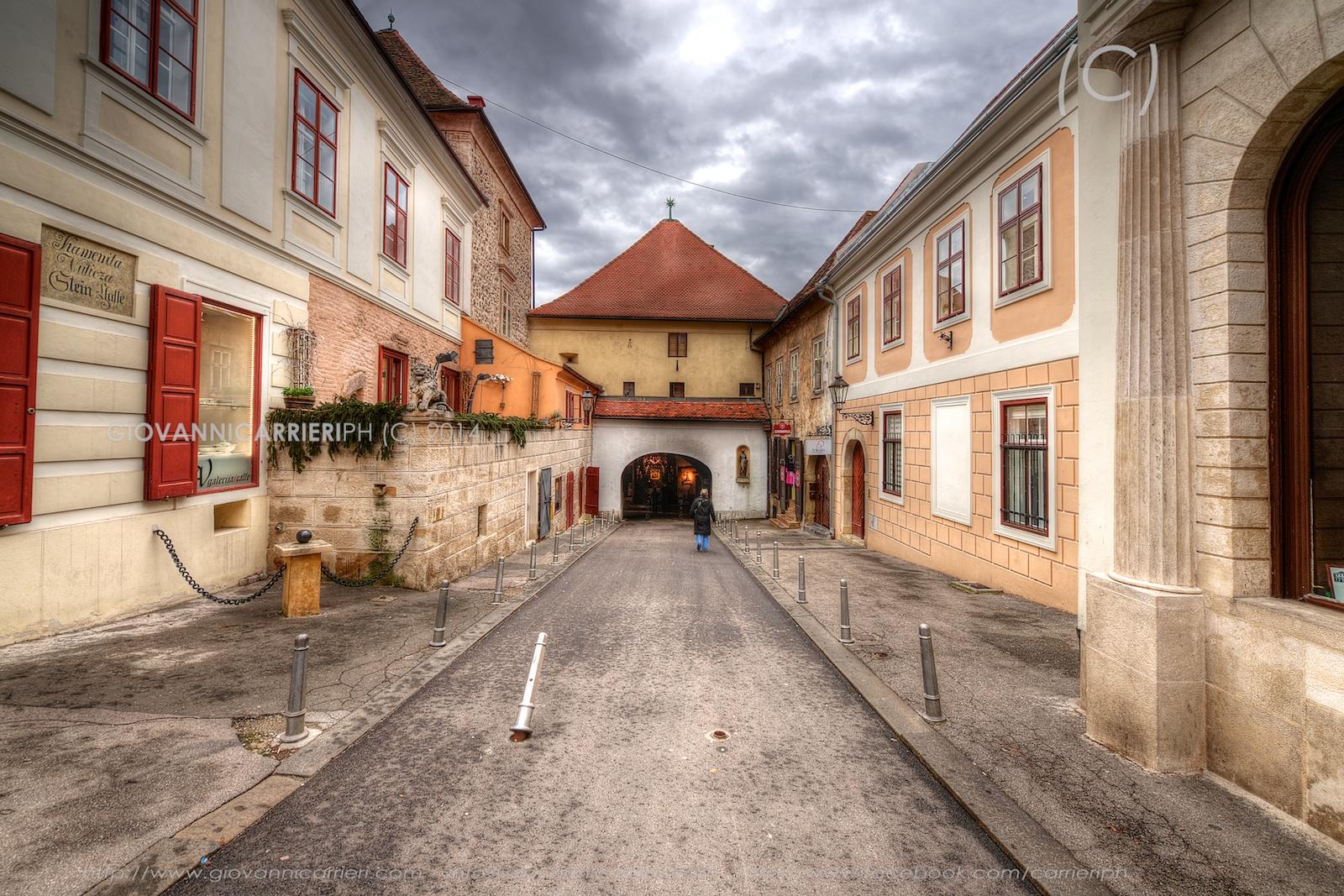 Il varco di pietra, visto dall'esterno - Zagabria