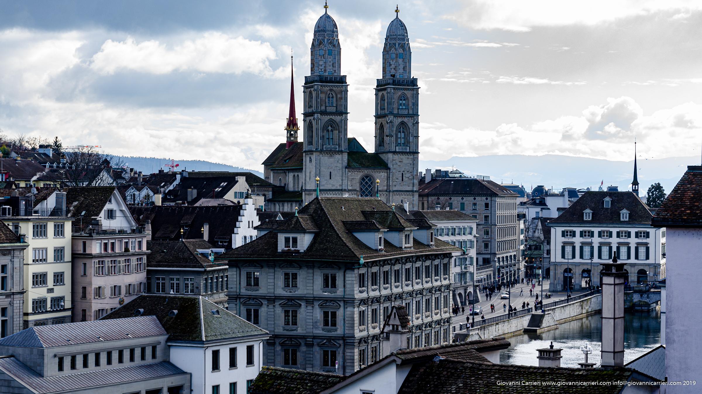La chiesa Grossmuenster di Zurigo