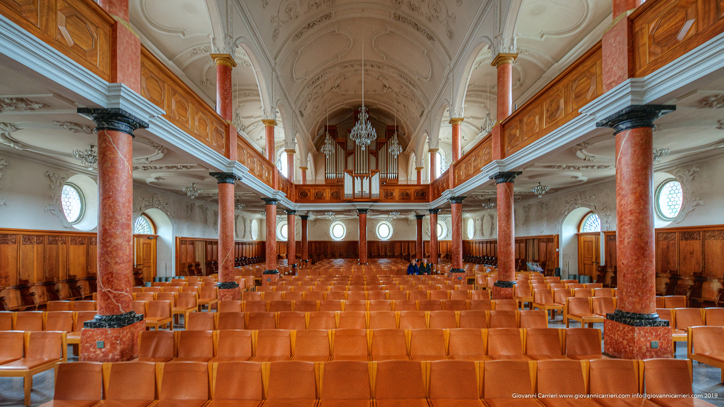 La chiesa di San Pietro ed il suo Organo - Zurigo