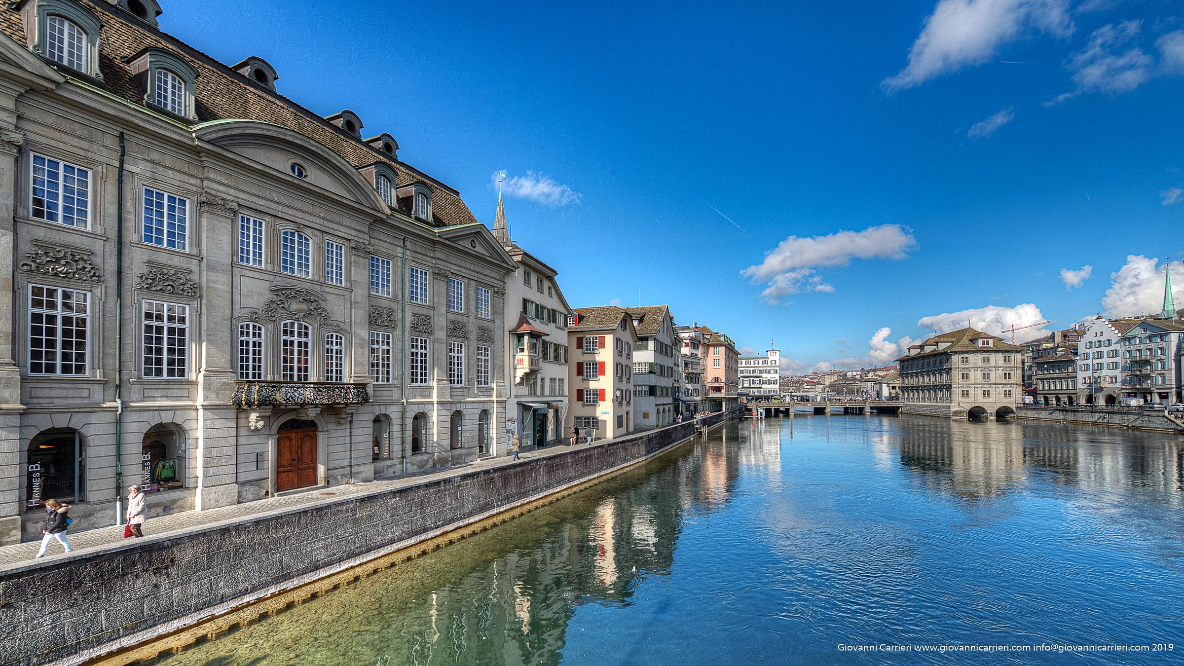 Via Wühre a bordo del fiume Limmat - Zurigo